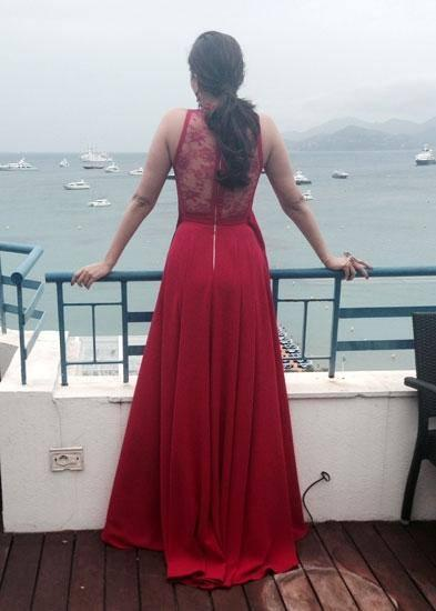 Sonam Kapoor Stylish Back Pose At The Press Meet Of Cannes 2014