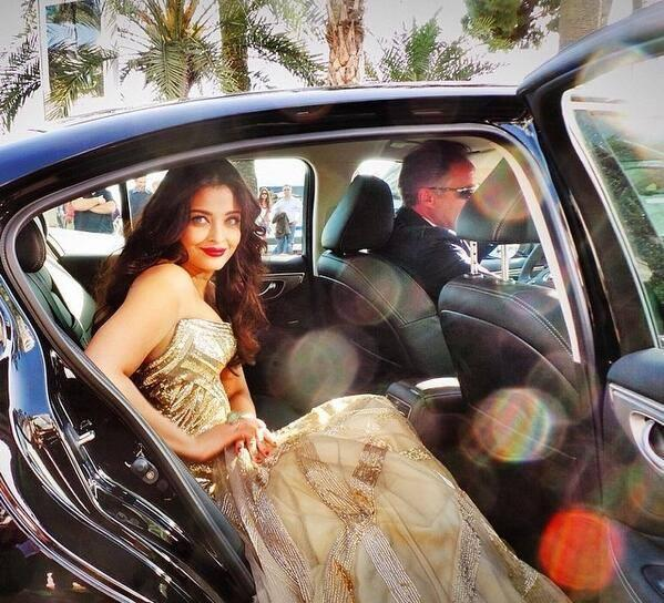 Aishwarya Rai Bachchan In Car Smiling Pose At The Cannes 2014 Film Festival