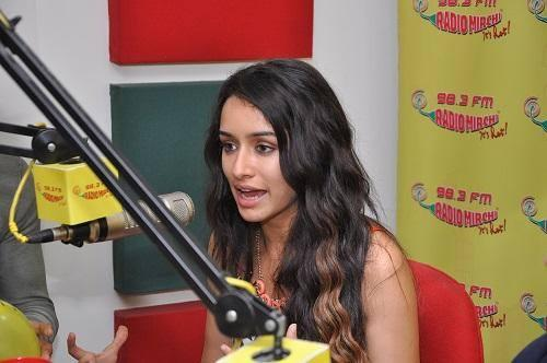 Shraddha Kapoor Promote Her Upcoming Movie Ek Villain At  98.3 FM