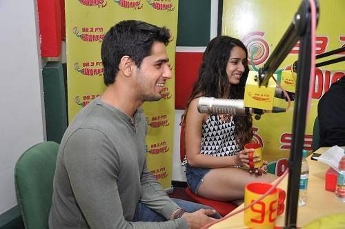 Sidharth And Shraddha Promote Ek Villain On Radio Mirchi 98.3 FM