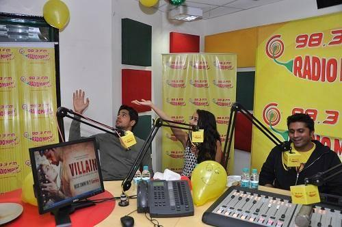Sidharth,Shraddha And Mohit Suri Promote Ek Villain At A Radio Station