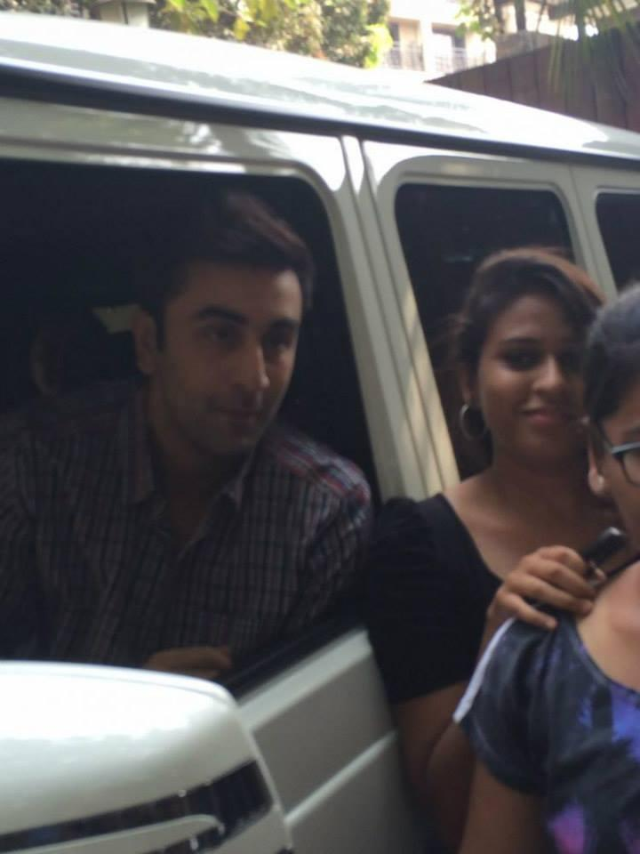 Ranbir Kapoor Nice Cliked With The Fans