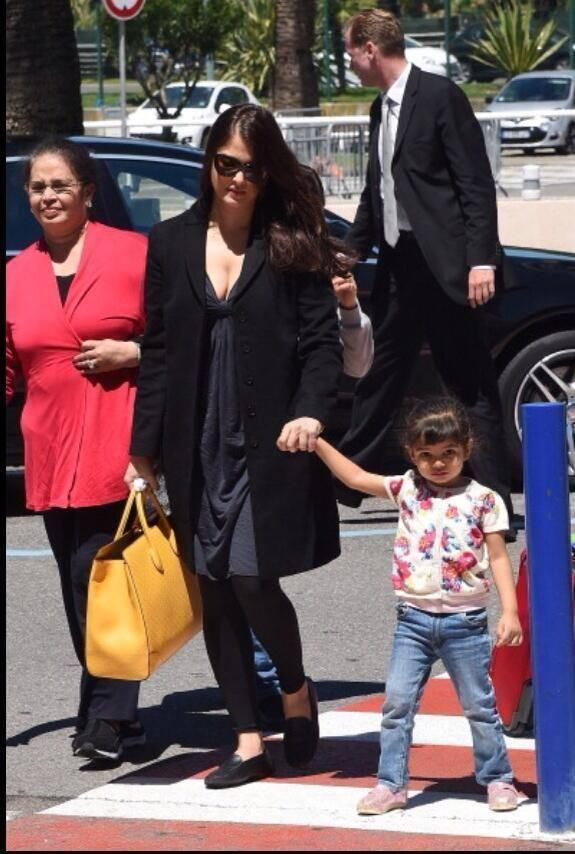 Aishwarya Left From Cannes With  Daughter Aaradhya And Mother Vrinda