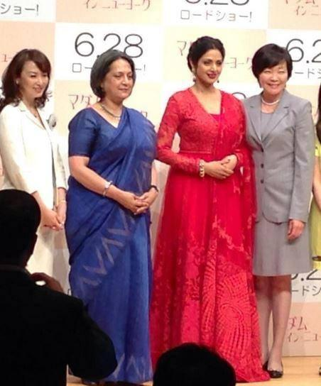 Sridevi Pose With Akie Abe And Other Celes At English Vinglish Premiere In Tokyo
