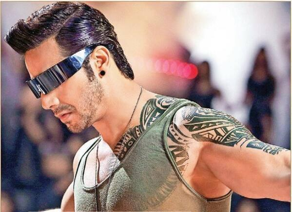 Varun Dhawan Looks Very Hot And Dashing From Saturday Saturday Song From His New Movie