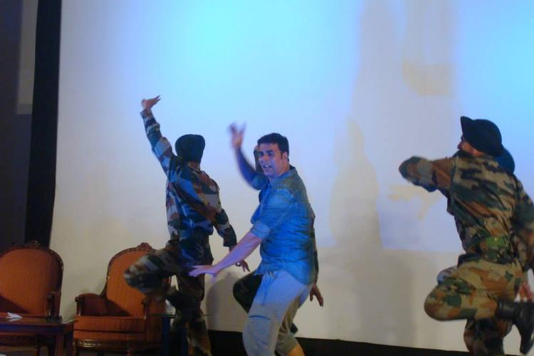 Akshay Kumar Performs With The Soldiers At His Holiday Promotional Event
