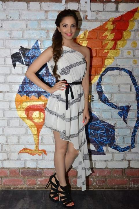 Kiara Advani Glamoured Look In Stylish Dress During The Promotion Of Fugly Movie In Bangalore