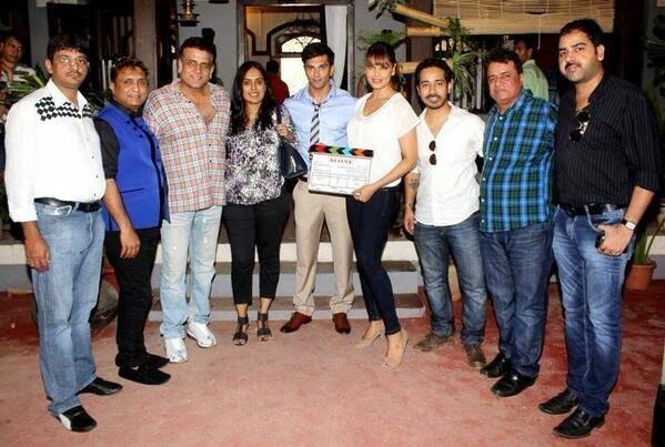 Director Bhushan,Bipasha And Karan With Other Casts Launch Their Upcoming Movie Alone