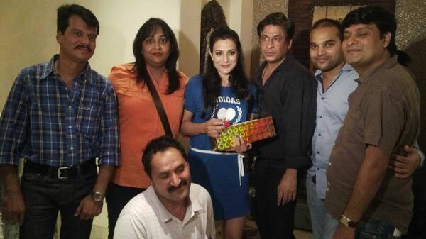 Ameesha Patel Pose With A Birthday Gift At Her 38 Birthday Bash