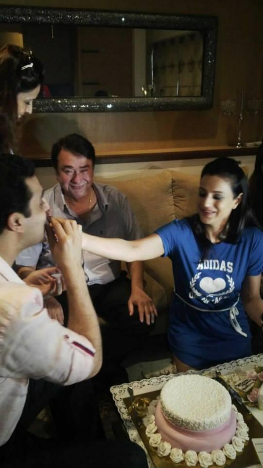 Ameesha Patel Sweet Moment Still At Her 38 Birthday Bash On Desi Masic Sets