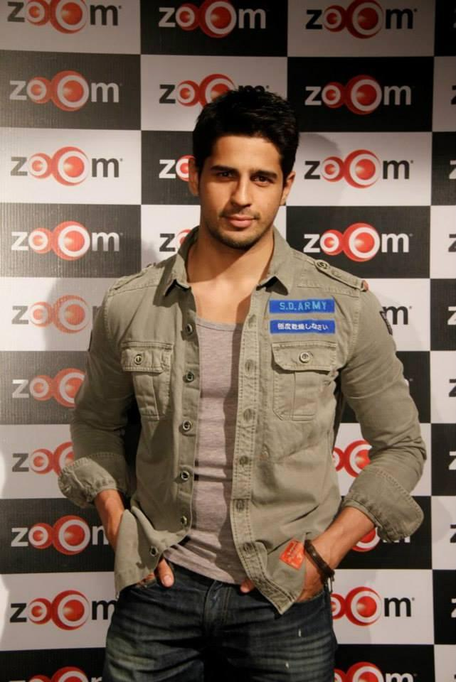 Sidharth With A Dashing Look Spotted At Zoom Studio To Talk About Ek Villain