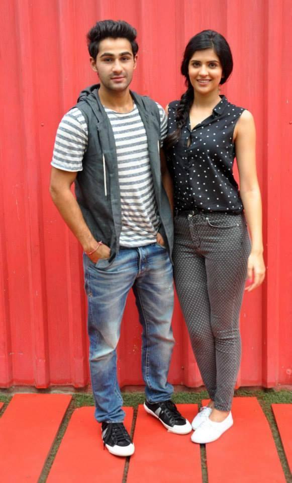 Armaan Jain And Deeksha Seth Are Leaving No Stone Unturned To Promote Their Debut Movie Lekat Hum Deewana Dil