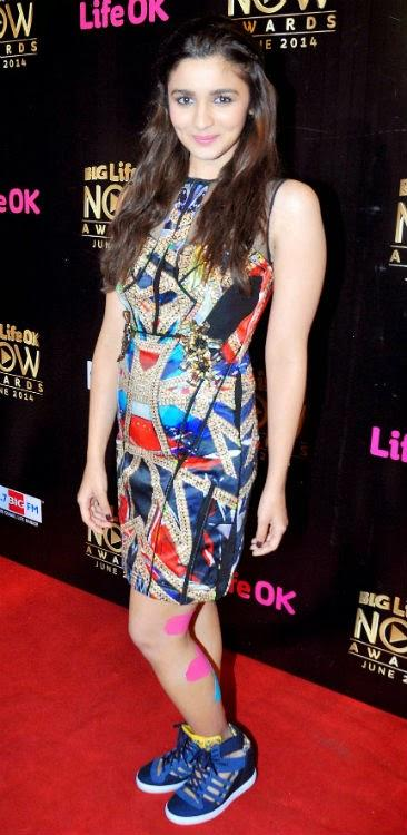 Alia Completely Killed With Her Poised Looks Despite A Serious Leg Injury