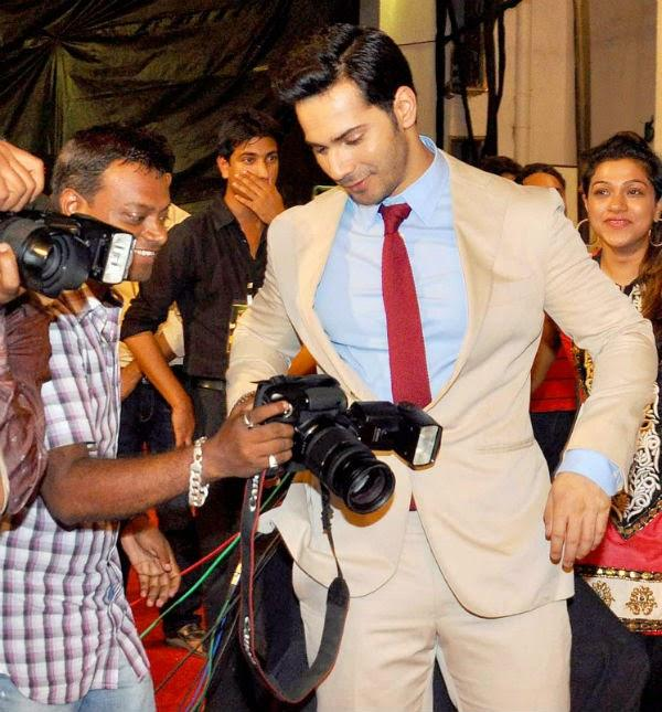 Varun Dhawan Grace The Big Life OK Now Awards 2014 For HSKD Promotion