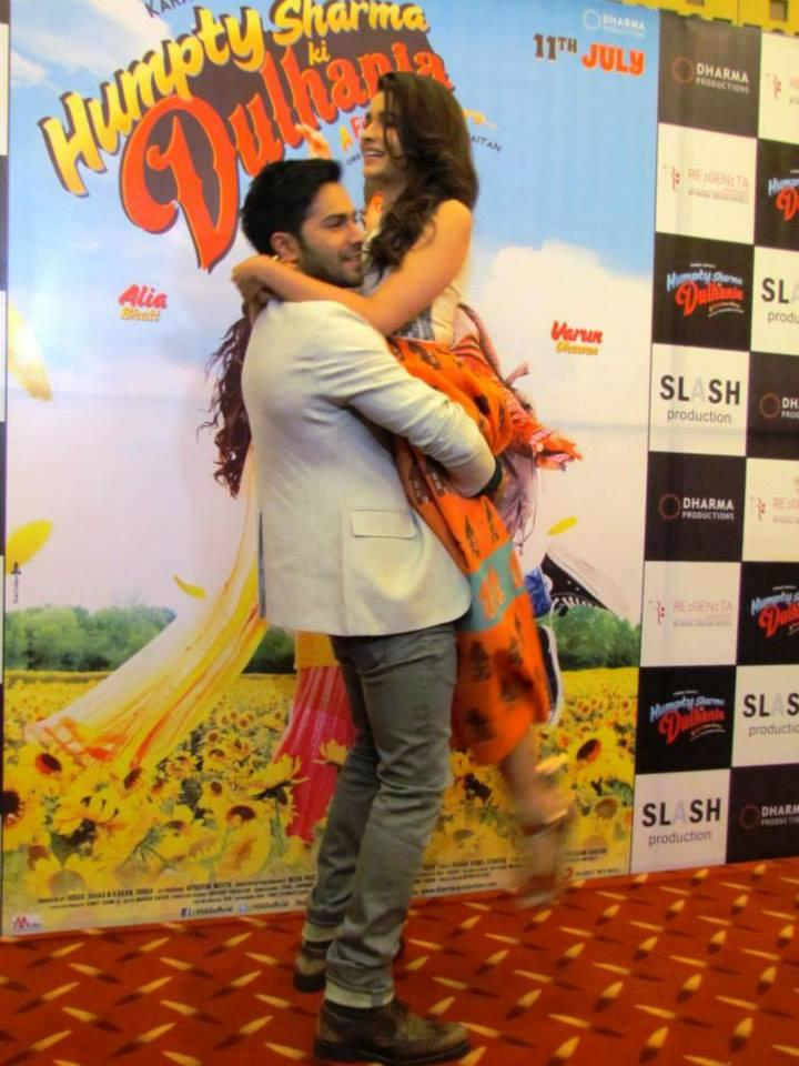 Varun Carry Alia During A Promotion Of Humpty Sharma Ki Dulhania Event