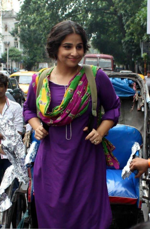 Vidya Balan Cool Smiling Look While Promoting Her Movie Bobby Jassos At Kolkata