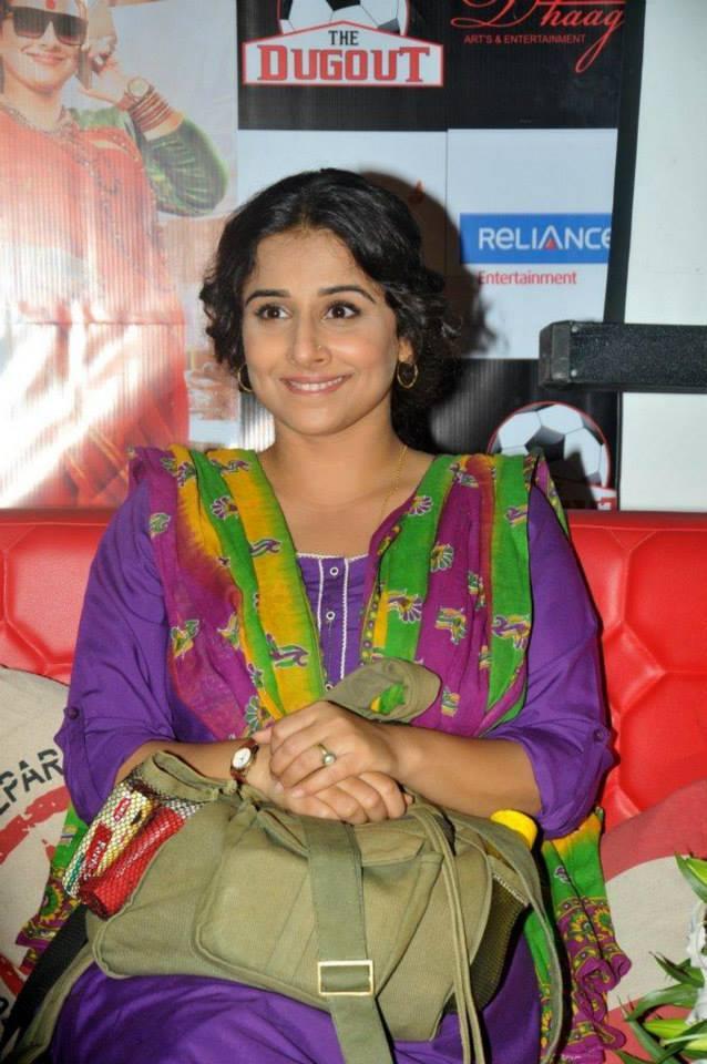 Vidya Balan Simple Look In Salwar At Kolkata During The Promotion Of Bobby Jassos