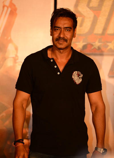 Ajay Devgan Smart Look In Black T-Shirt At Singham Returns Trailer Launch Event