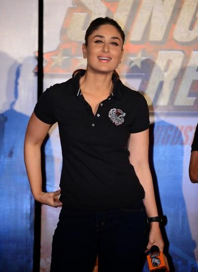 Dazzling Kareena Kapoor Smiling Pose During The Trailer Launch Of Singham Returns
