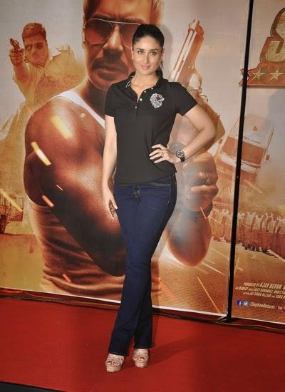 Kareena Kapoor Sexy Hot Look In Black T-Shirt During The Trailer Launch Of Singham Returns