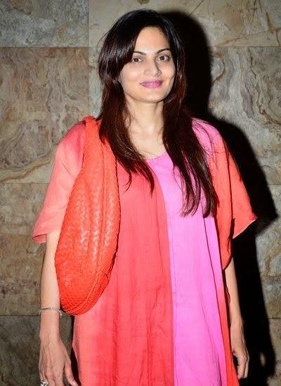 Alvira Khan Stunning Cool Look At The Screening Of Humpty Sharma Ki Dulhania