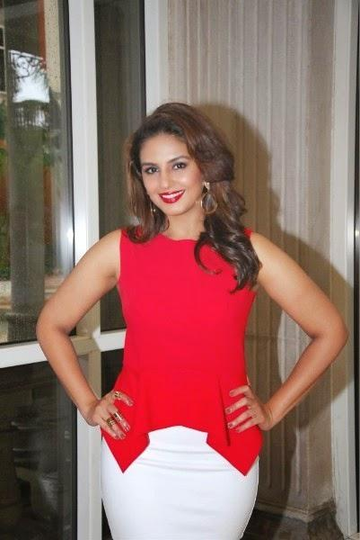 Huma Qureshi Stylish Pose For Camera At The Launch Of New Femina 2014 Issue Event