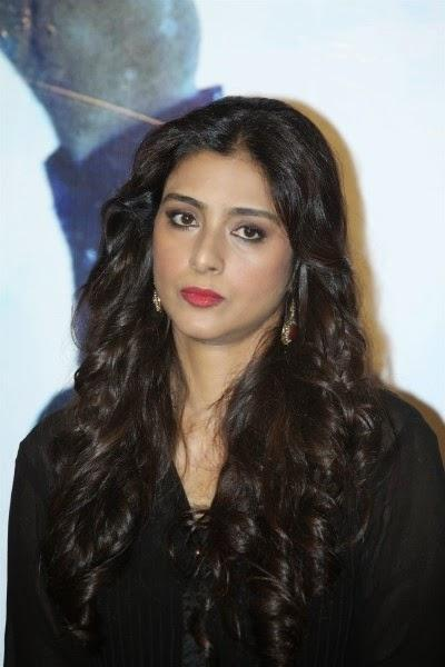 Tabu Stylish Look Completed With Curly Hair And Red Lippy During The Launch Of Haider Movie