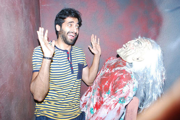 Akshay Oberoi Funny Pose During The Promotion Of Pizza 3D Movie