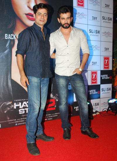 Jay And Sushant On Red Carpet Pose For The Shutterbugs