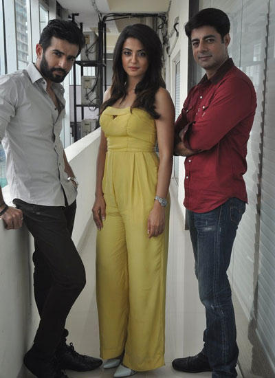 Surveen,Jay And Sushant Come For Promotion Of Hate Story 2
