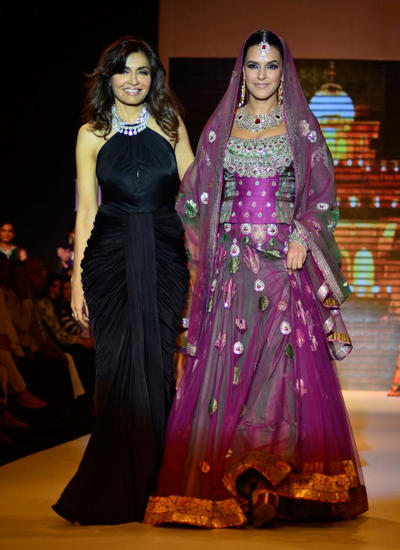 Neha Dhupia Walks On Ramp With Queenie Singh At IIJW 2014