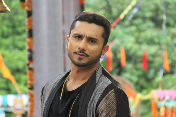 Honey Singh Snapped At Film City Mandir His New Show Promo Shoot