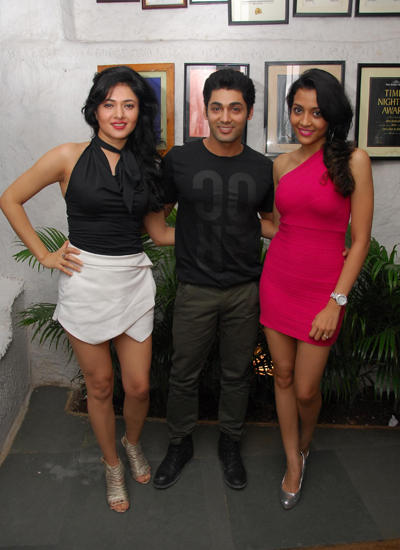 Sonal Sehgal And Ruslaan Mumtaz Posed For Camera At Sonal Sehgal Birthday Bash