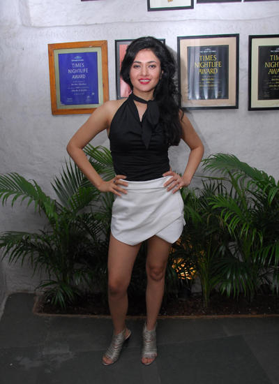 Sonal Sehgal Hot Look Pose At Her Birthday Party 2014