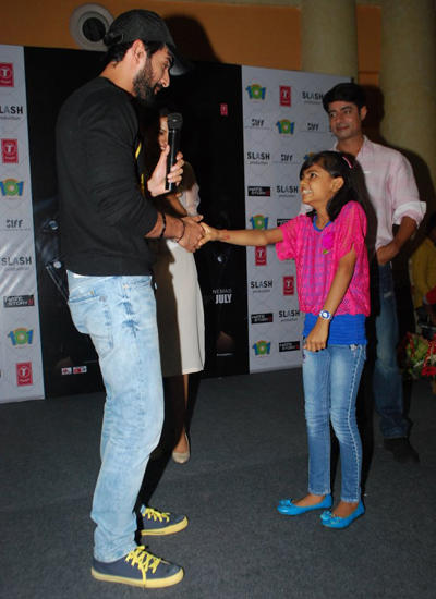Jay Meet A Cute Fan During Hate Story 2 Promotional Event In Mumbai