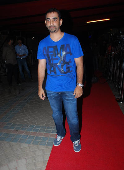 Kunal Deshmukh Snapped At The Raja Natwarlal Movie Wrap Up Party