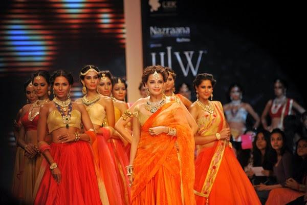 Bollywood Actress Miss Asia Pacific Dia Mirza Walked The Ramp At IIJW