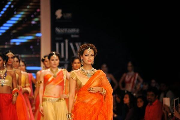 Dia Mirza Showstopper For Shobha Shringar Jewellers At IIJW 2014