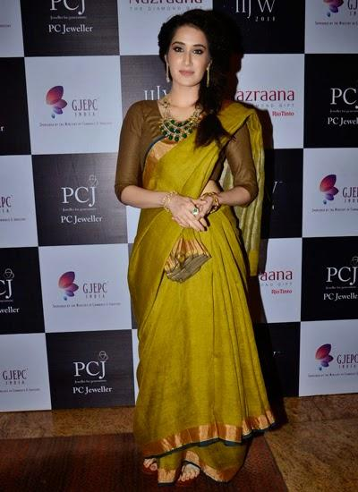 Sagarika Ghatge Snapped At Ganjam Jewellers Show At IIJW 2014 Day 2