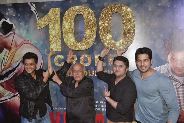 Riteish,Mahesh,Mohit And Sidharth Funny Pose For Camera During The 100 Crore Success Bash Of Ek Villain