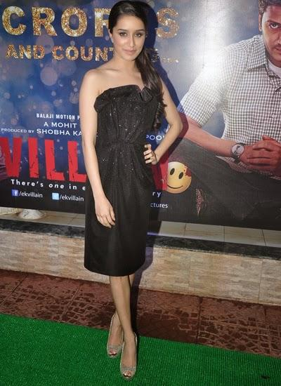 Shraddha Kapoor Dazzling Look Posed During The 100 Crore Success Bash Of Ek Villain