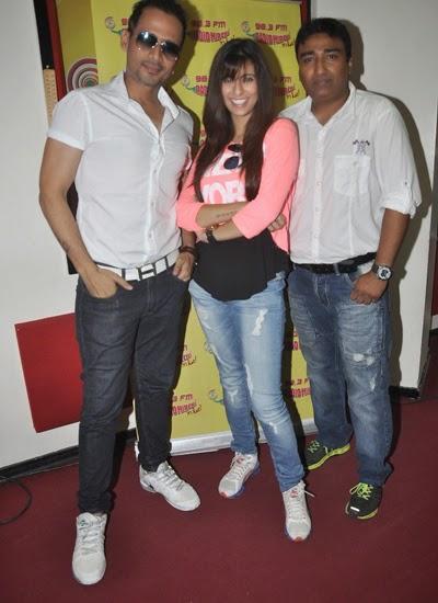 Khushboo,Anjjan And Manmeet At Radio Mirchi 98.3 FM For Promote Pink Lips