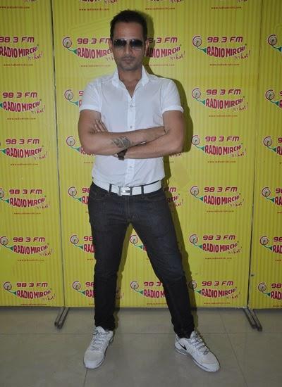 Manmeet Singh Promotes Pink Lips At Radio Mirchi 98.3 FM