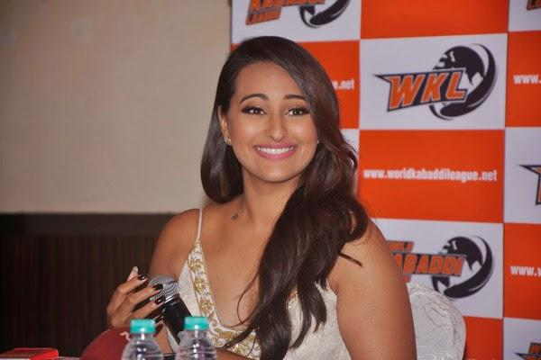 Sonakshi Sinha Attend The Announcement Of WKL 2014 In Mumbai