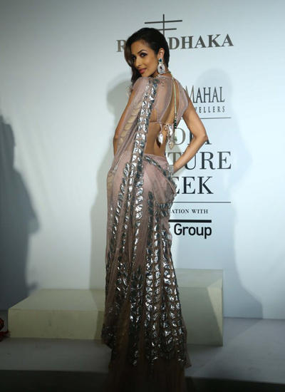 Malaika Arora Khan Flaunts Her Sexy Back On Day 2 At ICW 2014