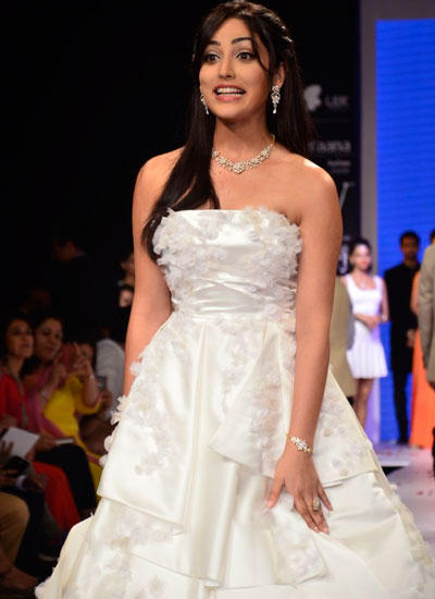 Yami Gautam Fantastic Look On Ramp At IIJW 2014 In Mumbai On Day 3
