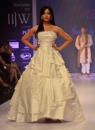 Yami Gautam Graced On Ramp On Day 3 At IIJW 2014