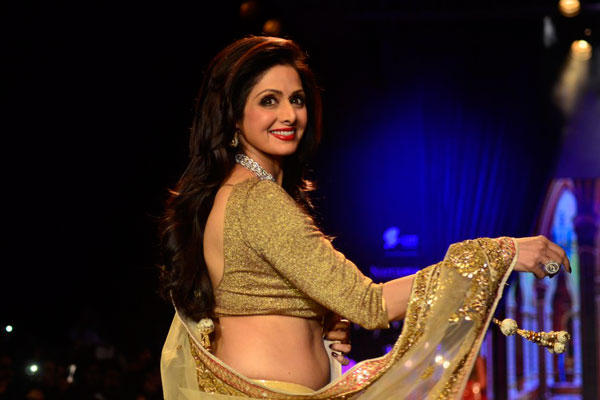 Showstopper Sridevi Walks The Ramp For Golecha Jewels Show At IIJW  2014