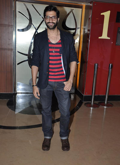 Akshay Oberoi Flashes Smiling At The Special Screening Of Pizza 3D Movie