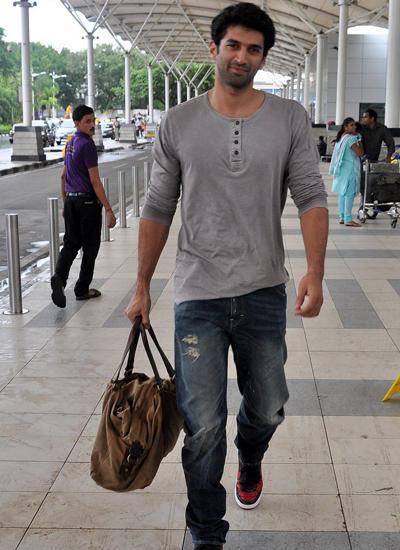 Aditya Roy Kapur Returns Mumbai After Daawat-E-Ishq Promotions At Delhi